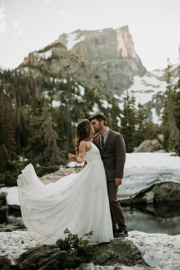 bride and groom elopement at rocky mountain national park
