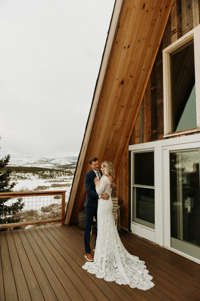 Snowy Airbnb wedding in Grand Lake Colorado, winter elopement on a frozen lake